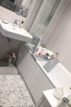 Grey bathrooms - Mrs Hinch has gone viral for her cleaning hacks BathroomAccessoriestips Bathroom Remodel Cost, Bathroom Renovations, Home Renovation, Cleaning Shower Tiles, Bathroom Cleaning, Mold In Bathroom, Small Bathroom, Master Bathrooms, Tiny Bathrooms