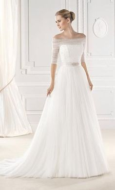 La Sposa Esien 10: buy this dress for a fraction of the salon price on PreOwnedWeddingDresses.com
