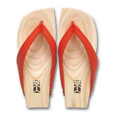 geta Japanese Kimono, Japanese Fashion, Leather Sandals, Shoes Sandals, Heels, Modern Kimono, Wooden Clogs, Shoe Pattern, Huaraches