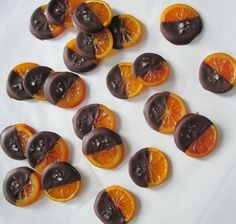 Candied blood oranges dipped in chocolate recipe by Kate Sonders Chocolate Dipped Fruit, Chocolate Covered, Candied Orange Slices, Healthy Sweets, Healthy Food, Best Candy, Xmas Food, Homemade Candies, Blood Orange
