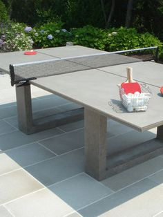 Playing ping pong on concrete? Read more Stylish Concrete Ping Pong Table Looks Cool, Will Cost You An Arm and a Leg Table Beton, Concrete Table, Concrete Furniture, Furniture Design, Bedroom Furniture, Concrete Planters, Cement, Fireplace Furniture, Concrete Pool
