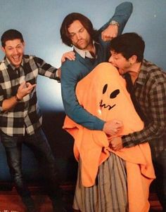 Jensen, Danneel & everything in between Winchester Brothers, Sam Winchester, Cw Series, Fan Picture, Favim, Jensen Ackles, Favorite Tv Shows, Supernatural, Disney Characters