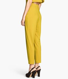 Yellow jumpsuit with heels | H&M