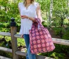 Make your next walk in the park more simple with the RuMe Medium tote. These bags are RuMe's most popular item because they hold up to 50 pounds, are machine washable and roll up to the size of your palm, secured with a Velcro strap.