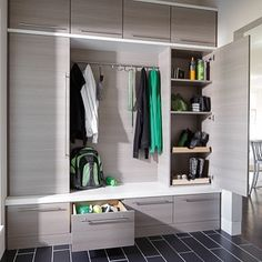 Let these mudroom entryway ideas welcome you home. Instantly tidy up and organize your hallway or entryway with industrial mudroom entryway. Latest Cupboard Designs, Bedroom Cupboard Designs, Wardrobe Design Bedroom, Garderobe Design, Entryway Storage, Organized Entryway, Shoe Storage, Storage Organization, Storage Area