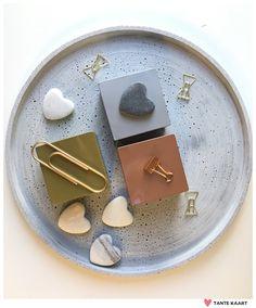 Nieuwe blikken doosjes voor bedankjes en doopsuiker #metallics #tantekaart #baby #weddinggifts #communie