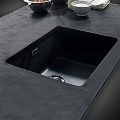 Franke Kubus KBG110-34 Fragranite Undermount Sink Onyx.This is an Undermount Sink and NOT DROP-ON or INSET!WHAT IS THE DIFFERENCE? CLICK HERE Dispatched in 24 hours - Subject to stock availability from our supplier.Brand: Product FeaturesInstallation Type: UndermountSink Finish: FragraniteDrainer: No DrainerNumber of Bowls: Single BowlWaste Fitting Type: 90mm Basket Strainer Waste FittingSupplied with Overflow KitGerm Resistant: Fragranite treated with Sanitized® reduces bacteria and microbe…