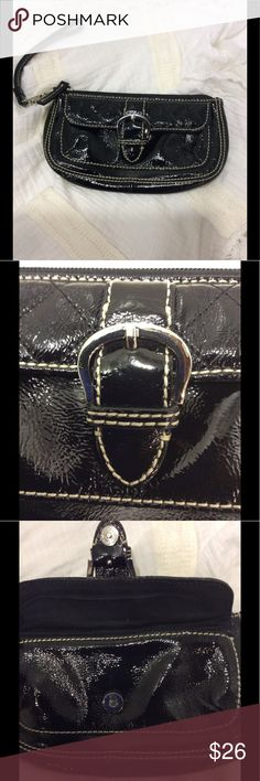 """Talbots Patent Leather Wristlet Beautiful and roomy wristlet with front snap compartment that looks like a buckle. (6 1/2"""" x 3"""") Wristlet zips open to a roomy compartment with an interior zippered pocket. Detachable strap. Genuine leather with silver tone hardware. Excellent condition! Talbots Bags Clutches & Wristlets"""