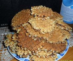 Reteta culinara Faguri din categoria Dulciuri diverse. Cum sa faci Faguri No Cook Desserts, Cookies, Rome, Crack Crackers, Biscuits, Cookie Recipes, Cookie, Biscuit
