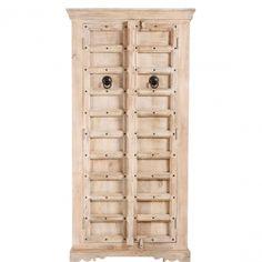 TANDOORI - Шкаф для комнаты  Шкаф серии TANDOORI привносит в Ваш дом магию Индии. Железные заклепки и твердые фитинги создают аутентичный вид .Ретро-эффект создается благодаря трещинам в древесине. Доступный в различных цветах. Размеры: 90 X 45 X 180 см Артикул: 10194312 12200-00