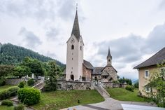 Blick auf die Kirche von Karnburg  #regionalagentur #kärnten #cbfoto Style At Home, Web Design, Kirchen, Mansions, House Styles, Home Decor, Product Photography, Photo Studio, Design Web