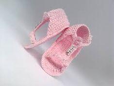 Resultado de imagem para sandalias de croche para bebe