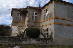 Three angle house