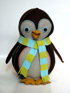 penguin by geninne zlatkis using hillary lang's wee bunny pattern