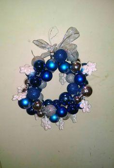 Winter snowflake coat hanger ornament wreath