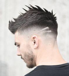 O corte arrepiado continua em alta. Ótimo pra quem quer cabelo curto e estilo ao mesmo tempo