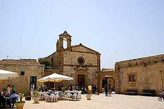 Villa, Strand, Barcelona Cathedral, Images, Building, Travel, Italy, Search, Sicily
