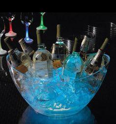 ★ Bury glow sticks/cubes to illuminate your ice bucket on Summer night party