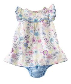 Awwww!  We heart this Baby Girl floral sundress and bloomer set @Hallmark Baby