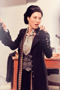 Love almost all of Jaime Murray's outfits in Warehouse 13. --- tumblr_m8rbj5YLly1r14u7eo1_400.png 395×594 pixels