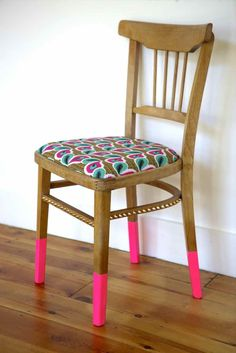 Chaise recyclée! #diy #recyclage #fluo