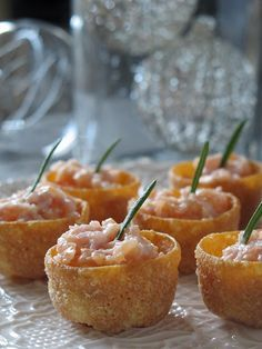 Cestitas de salmón ahumado. Aperitivo navideño. To be Gourmet | Recetas de cocina, gastronomía y restaurantes.