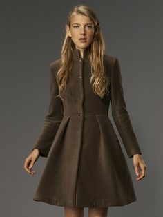 Lori in V-Wool-Bark - VauteCouture