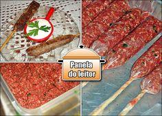 Kafta  Para 60 espetinhos: 3 kg de carne moída na hora ( usei paleta, pode ser patinho também);  Salsinha e cebolinha picadinho; Pimenta do reino; Casca de limão ralada ( 3 limões);  tempero de alho ou  só sal; saquinho de sacole, geladinho; espetinhos de churrasco. Cook For Life, Latin Food, Fabulous Foods, Creative Food, Finger Foods, Clean Eating, Food Porn, Favorite Recipes, Meals