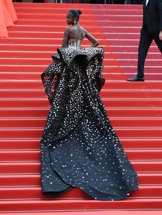 The Most Jaw-Droppingly Beautiful Dresses From the Cannes Film Festival : Cannes Film Festival 2019 red carpet best dressed: Leomie Anderson Style Couture, Couture Fashion, Look Fashion, Fashion Beauty, Looks Chic, Red Carpet Looks, Blue Carpet, Cannes Film Festival, Red Carpet Fashion