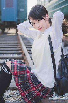 Japanese High School, Japanese Girl, School Uniform Girls, High School Girls, Cute Asian Girls, Cute Girls, Lala, Schoolgirl Style, Asian Doll