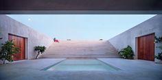 Marcella Aprile, Roberto Collovà, Francesco Venezia, Small open air Theatre in Salemi, 1986 Alberto Morell, The Dalton House, Kenya, 2015 > thanks to Francesco Testa