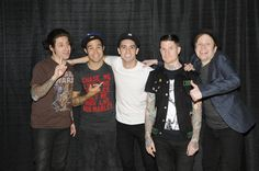 Fall Out Boy and Brendon Urie from Panic! At the Disco Music Is My Escape, Music Is Life, Emo Bands, Music Bands, Fall Out Boy Tumblr, Save Rock And Roll, Soul Punk, Pete Wentz, Brendon Urie