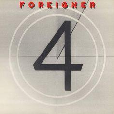 「フォリナー」のアルバム「4」を、僕は今まで何度聴いてきたただろう。我が青春の高校時代から現在まで聞き続けている、それも曲順通りに。この時代のアーティストはちゃんとアルバム作りをしたんだよ。アルバムはただの曲の集まりでなく、全体で一つの作品となるようにね。