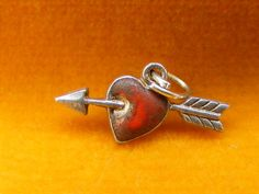 VINTAGE STERLING SILVER CHARM ENAMELLED HEART & ARROW