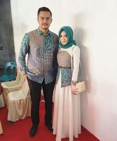 Batik Fashion, Abaya Fashion, Muslim Fashion, Fashion Outfits, Womens Fashion, Batik Muslim, Kebaya Muslim, Muslim Dress, Batik Kebaya
