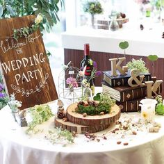 *wedding report* ウェルカムスペース 手書きのウェルカムボードを置いたテーブルの全体図… Wedding Set Up, Wedding Welcome, Wedding Table, Diy Wedding, Rustic Wedding, Hipster Wedding, Ring Pillow Wedding, Instagram Wedding, Wedding Arrangements