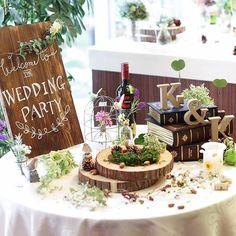 *wedding report* ウェルカムスペース 手書きのウェルカムボードを置いたテーブルの全体図…