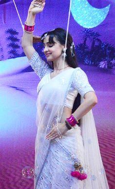 sanaya irani and ashish sharma, sanaya irani puppet dance