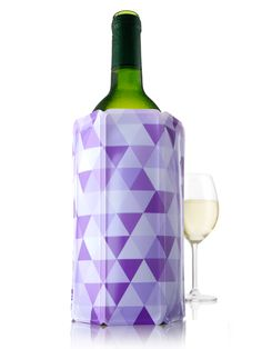 Keep your wine chilled with this pretty ice jacket from Vacu Vin.