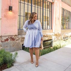 @iambeauticurve Happy Sunday, Friends! Hope you're having the best day! Sharing this dress today! It's a Spring/Summer must-have and it's a part of my… Summer Work Dresses, Stylish Summer Outfits, Summer Outfits Women, Curvy Girl Fashion, Plus Size Fashion, Plus Size Dresses, Plus Size Outfits, Classy Suits, Looks Plus Size