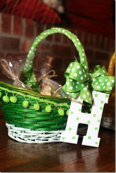 boutique easter basket for my Abbi Alli and even Bradin(: Easter Crafts, Holiday Crafts, Christmas Diy, Holiday Decor, Easter Ideas, Holiday Ideas, Hoppy Easter, Easter Bunny, Diy Crafts For Kids