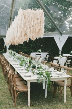 Pampas grass is the unexpected plant making its way into all kinds of weddings this year (beach, backyard, woods and more). Here, 27 photos full of pampas grass wedding decor inspo. Chic Wedding, Wedding Trends, Floral Wedding, Wedding Flowers, Wedding Blog, Wedding Ideas, 2017 Wedding, Wedding Inspiration, Wedding Reception