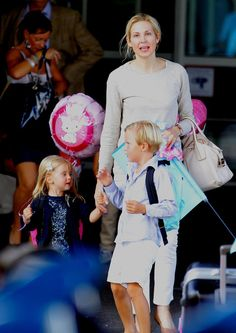 It's so good see their together! @KellyRutherford