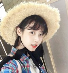 These Pictures Prove IU Has Perfected The Short Hair Style — Koreaboo Iu Short Hair, Short Hair Styles, Iu Hair, Girl Day, My Girl, Korean Girl, Asian Girl, Korean Star, Park Bo Young
