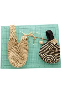 Japanese Knot Bag Free Crochet Pattern. Pattern Information Japanese Knot Bag Designed by Rick Mondragon FINISHED MEASUREMENTS Bag 18″ circumference × 8″ tall Handle 2″ × 16″ Closure 2″ × 4″ MATERIALS Universal Yarn Yashi (100% raffia; 40g/99 yds) • 101 Spider – 2 balls • 103 Spider – 2 balls (3rd ball required if …