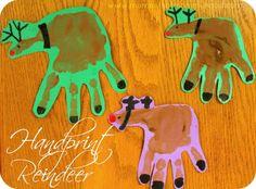 Moments of Mommyhood: Handprint Reindeer