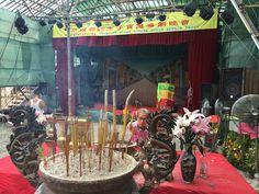 Templo de Na Tcha, Macau © Viaje Comigo Macau, Table Decorations, Furniture, Home Decor, Rammed Earth, Harvest Table Decorations, Temples, Food Festival, Decoration Home