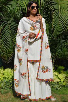 Buy Embroidered Kurta Gharara Set by Ayinat at Aza Fashions Anarkali Frock, Lehnga Dress, Pakistani Designer Suits, Indian Designer Wear, Pakistani Outfits, Indian Outfits, Desi Wear, Indian Couture, Indian Ethnic Wear