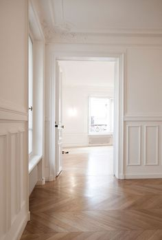 Herringbone wood floors, crown molding trim dream home design, house design Parisian Apartment, Paris Apartments, Paris Apartment Interiors, Style At Home, Planchers En Chevrons, Herringbone Wood Floor, Wall Molding, Wood Crown Molding, Floor Molding