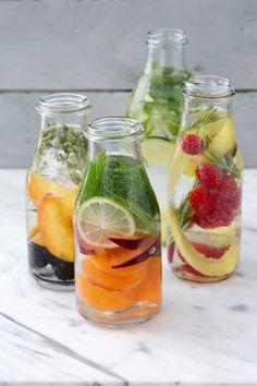Acqua aromatizzata: sfiziosa, rigenerante, detox... 4 versioni per rinfrescare la tua estate!  [Flavoured water]